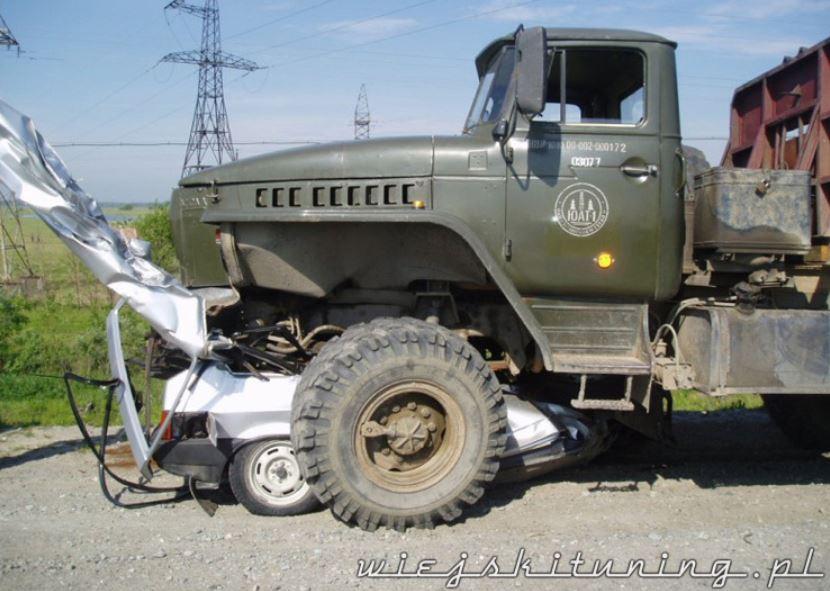 Wojskowy tuning Łada
