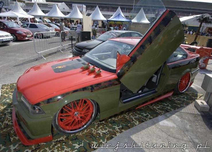 Wojskowy tuning BMW 3 E36