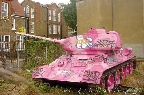 różowy czołg ruda 102